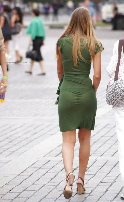 Девушки в прозрачной одежде (25 фото)