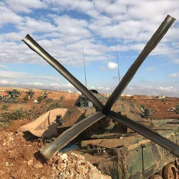 Пушка турецкого танка не выдержала выстрела (2 фото)