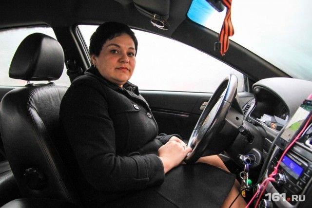 В Ростове-на-Дону женщина-таксист вернула забытые в ее машине 4 млн рублей (3 фото)