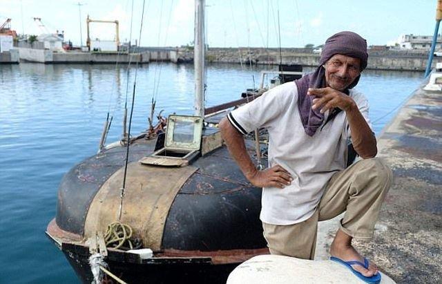 Поляк и его кошка семь месяцев дрейфовали в Индийском океане (6 фото)