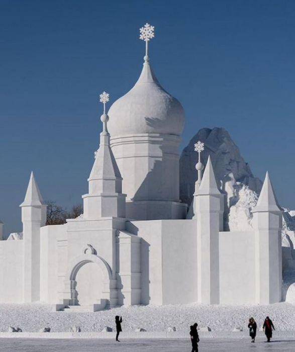 Фестиваль льда и снега в Харбине (23 фото)