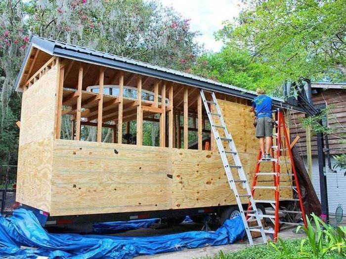 Американский студент построил собственный передвижной дом (28 фото)