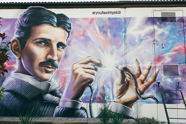 В Сочи появилось креативное граффити с Николой Теслой (4 фото)