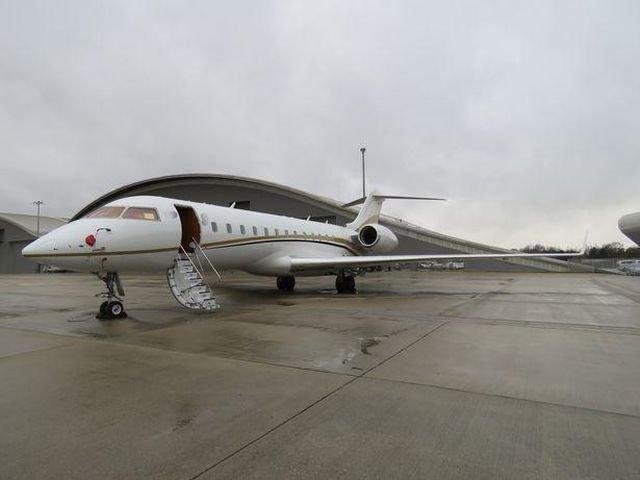 В Великобритании в частном самолете обнаружили кокаин на 70 млн долларов (3 фото)