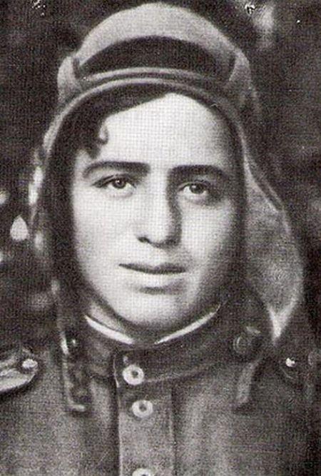 Ион Деген - легендарный танкист, писавший трогательные стихи (4 фото)