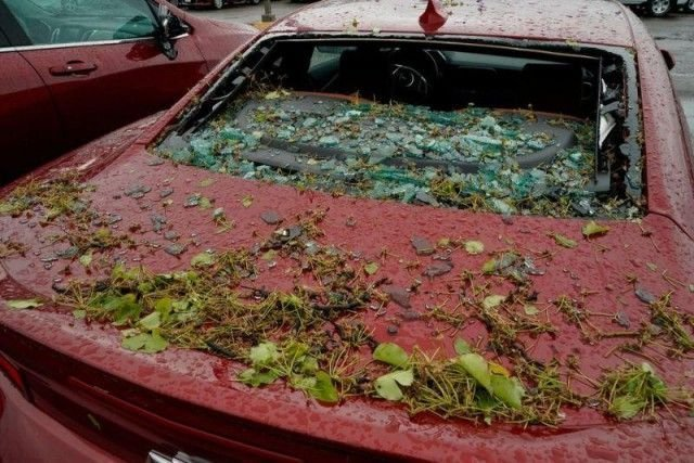 В Алабаме град повредил 380 новых Автомобилей (24 фото)