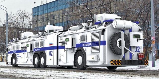 Бронированный полицейский автобус (7 фото)