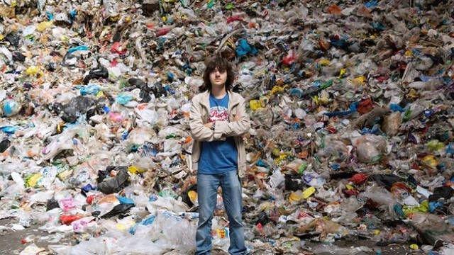 Плавучие барьеры для сбора мусора в океане (7 фото)