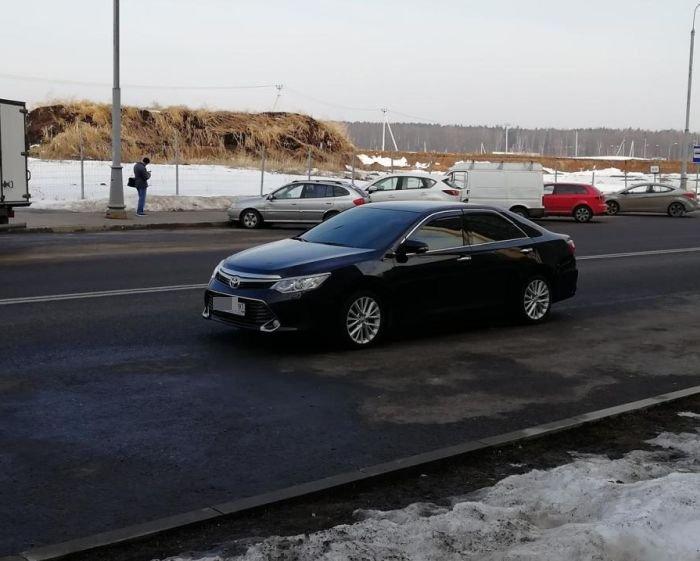 Любителя хамской парковки настигла карма (5 фото)