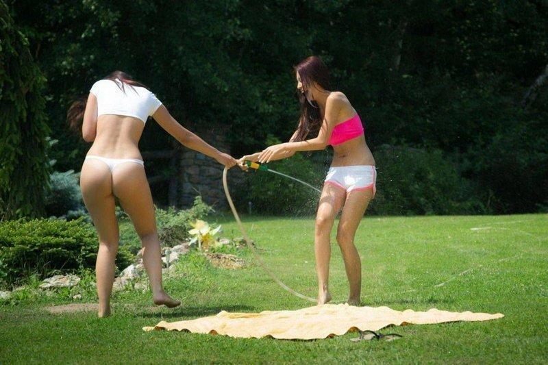 Забавные картинки с девушками (40 фото)
