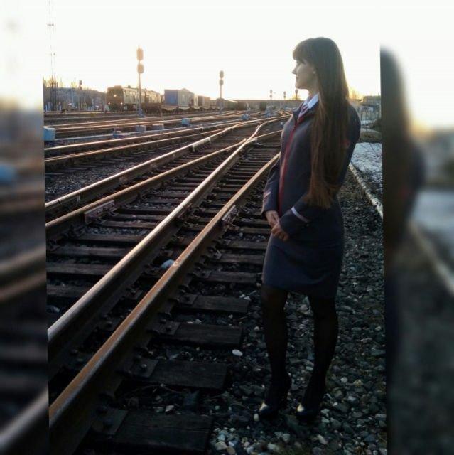 Очаровательные железнодорожные сотрудницы (22 фото)