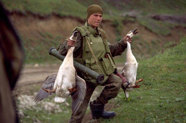 Российский спецназ в Чечне на фото Эрика Буве (21 фото)