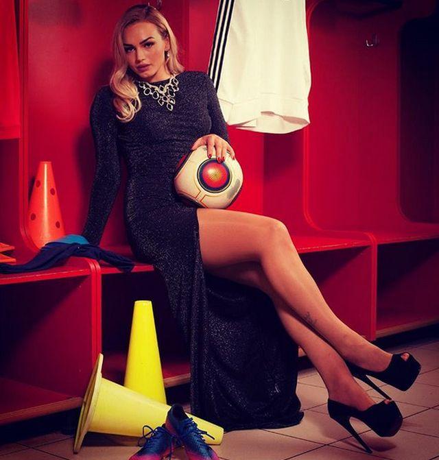 Красавицы чемпионата мира по футболу (20 фото)