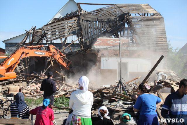 В Туле продолжается освобождение незаконно занятой цыганами земли (10 фото)
