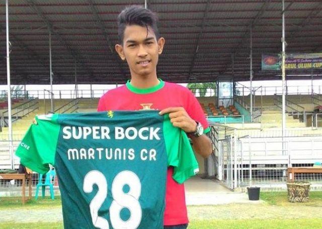 Криштиану Роналду и индонезийский мальчик по имени Мартунис (5 фото)