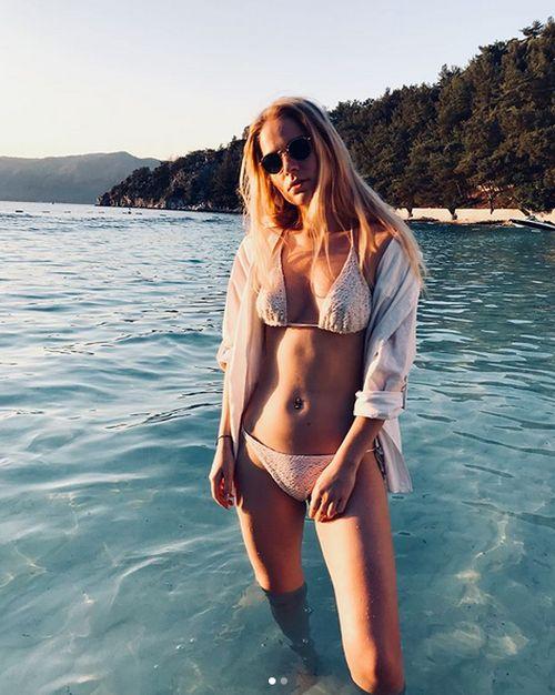 Турецкий отель запретил туристке из России публиковать снимки в бикини (4 фото)