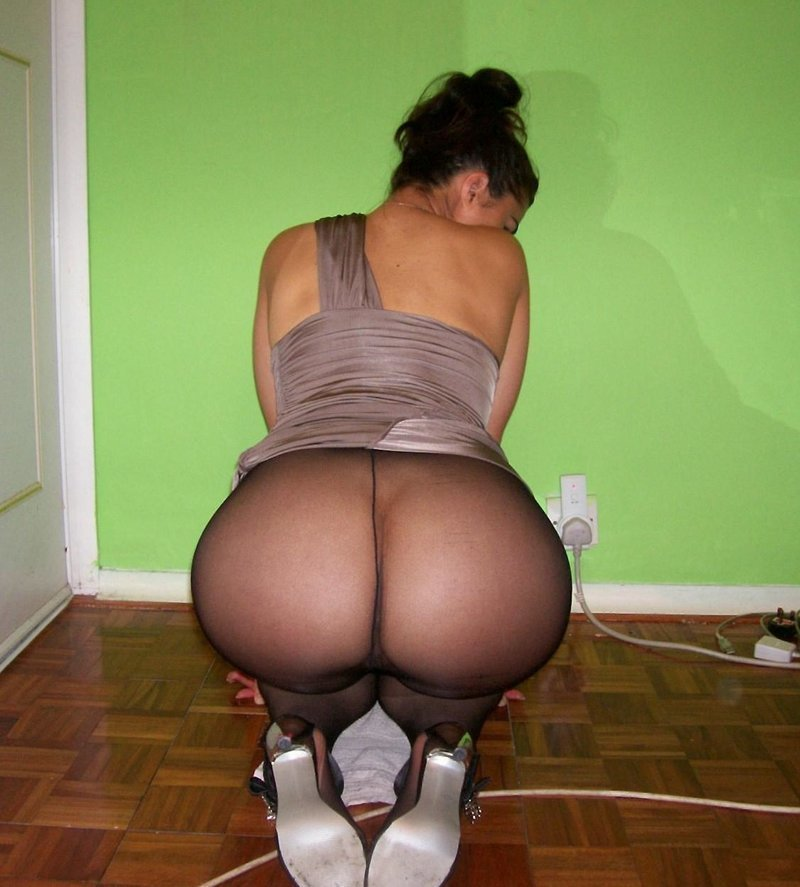 Shy China Amateur Round Ass On Display Forumophilia 1