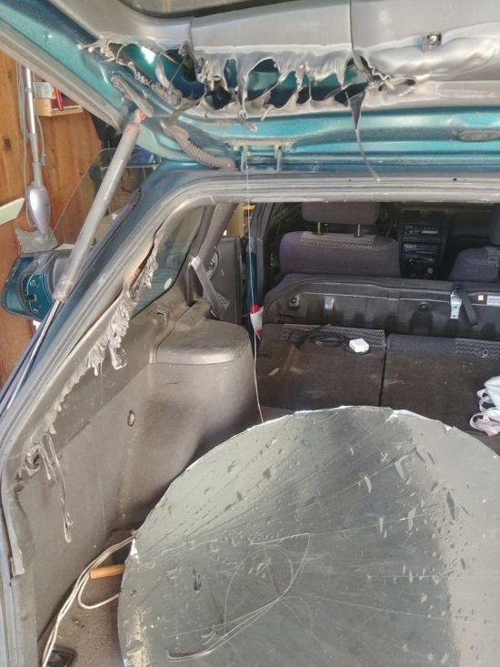 Купил параболическое зеркало и оставил его в машине (3 фото)
