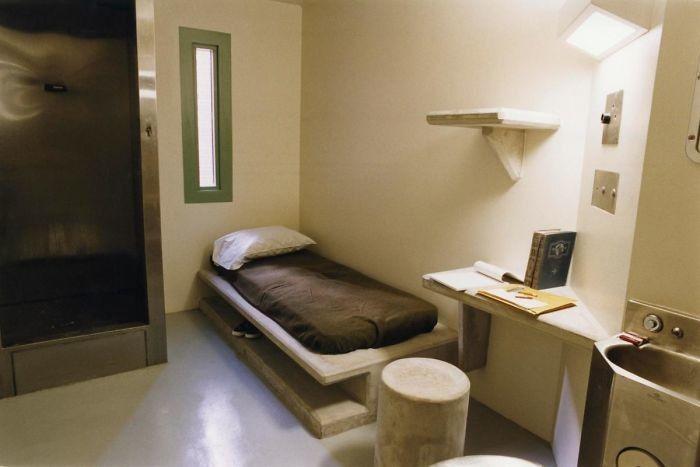 Условия содержания разных тюрьмах мира (20 фото)