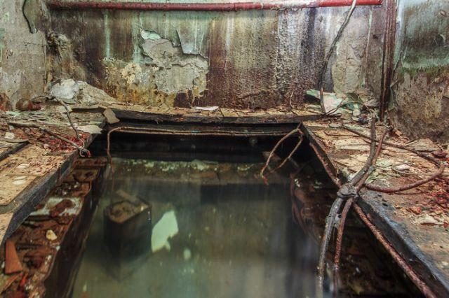 Необычное советское бомбоубежище, заброшенное много лет назад (13 фото)