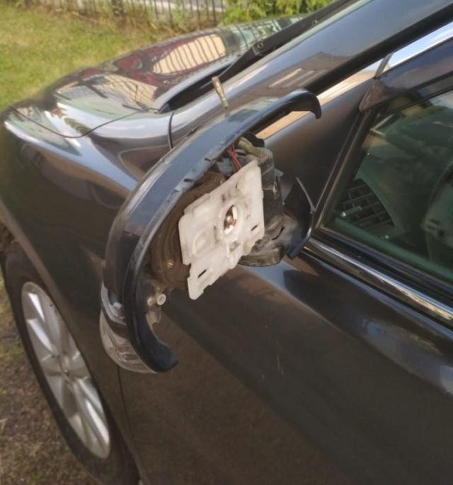 В автомобиль мэра Рубцовска ударила молния (4 фото)