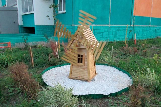 Программист из Челябинска смог превратить унылый двор в лучший двор района (14 фото)