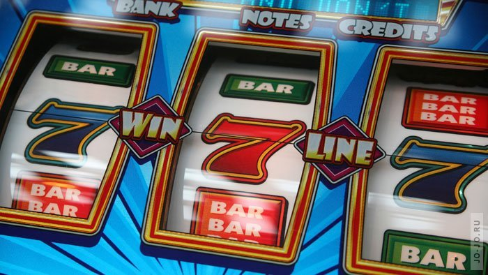 В каком интернет казино лучше играть в слоты на деньги?