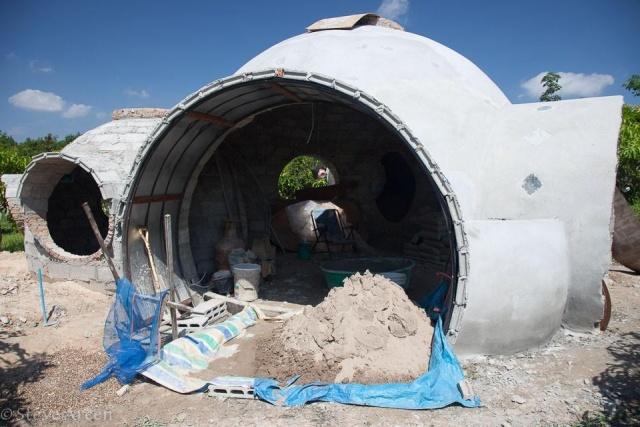 Парень построил дом своей мечты за 9000 долларов (26 фото)