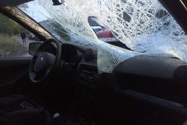 "Водитель грузовика остановил омича на ""Ладе"", сбившего двух пешеходов (5 фото)"