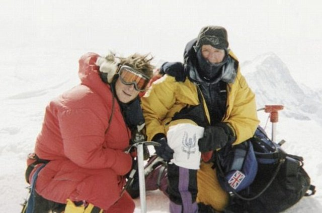 Интересные факты из жизни Беара Гриллса (16 фото)