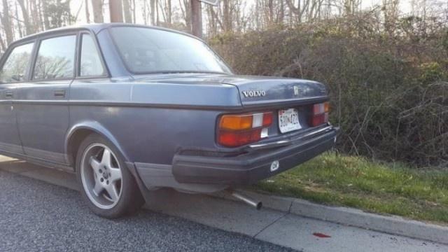 Последствия столкновения Volvo из 80-х годов с современной Kia (4 фото)