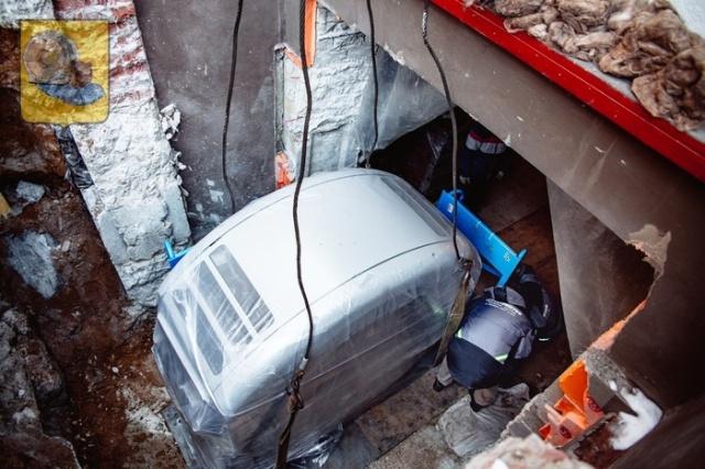 Доставка томографов на цокольный этаж клиники (20 фото)