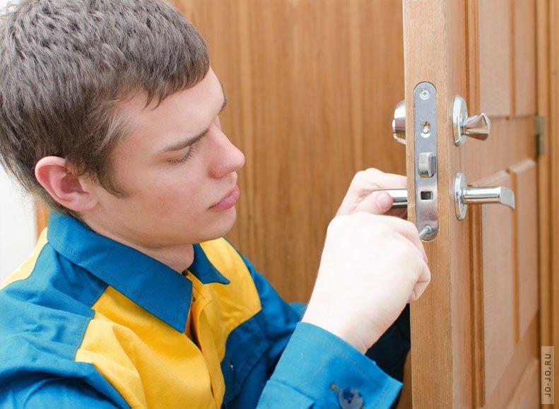 Квартира в новостройке: почему лучше сменить дверной замок в первый день