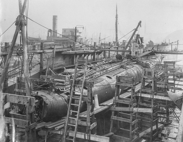 Интерьер немецкой подводной лодки времен Первой мировой войны (21 фото)