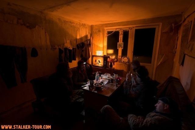 """Как """"сталкеры"""" обустраивают """"убежища"""" в Чернобыльской зоне отчуждения (13 фото)"""