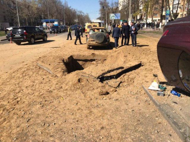 Подземный взрыв газа в Одессе (6 фото)