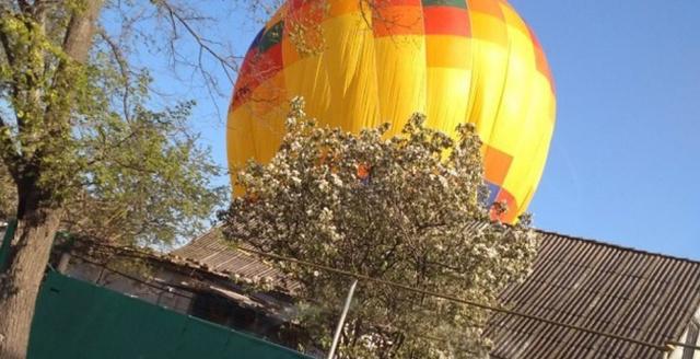 В Крыму на воздушном шаре унесло 12-летнюю девочку (4 фото)
